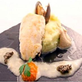 Merluza sobre crema de patata y repollo con crema de mantequilla Equipo Naranja Fotos propiedad de Telemadrid