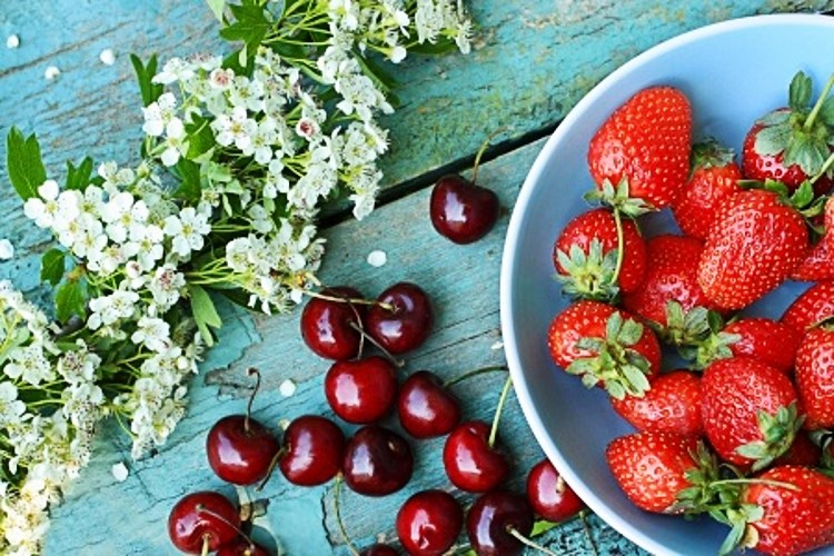fresas_cerezas_primavera_20339073_750x500
