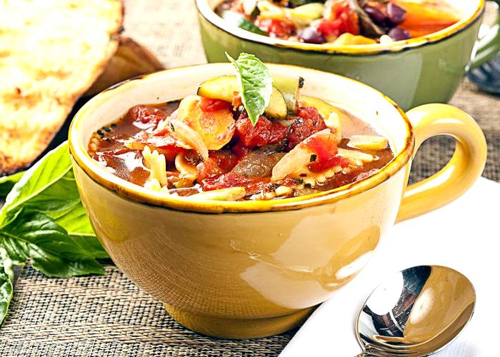 sopa minestrone con tortellini